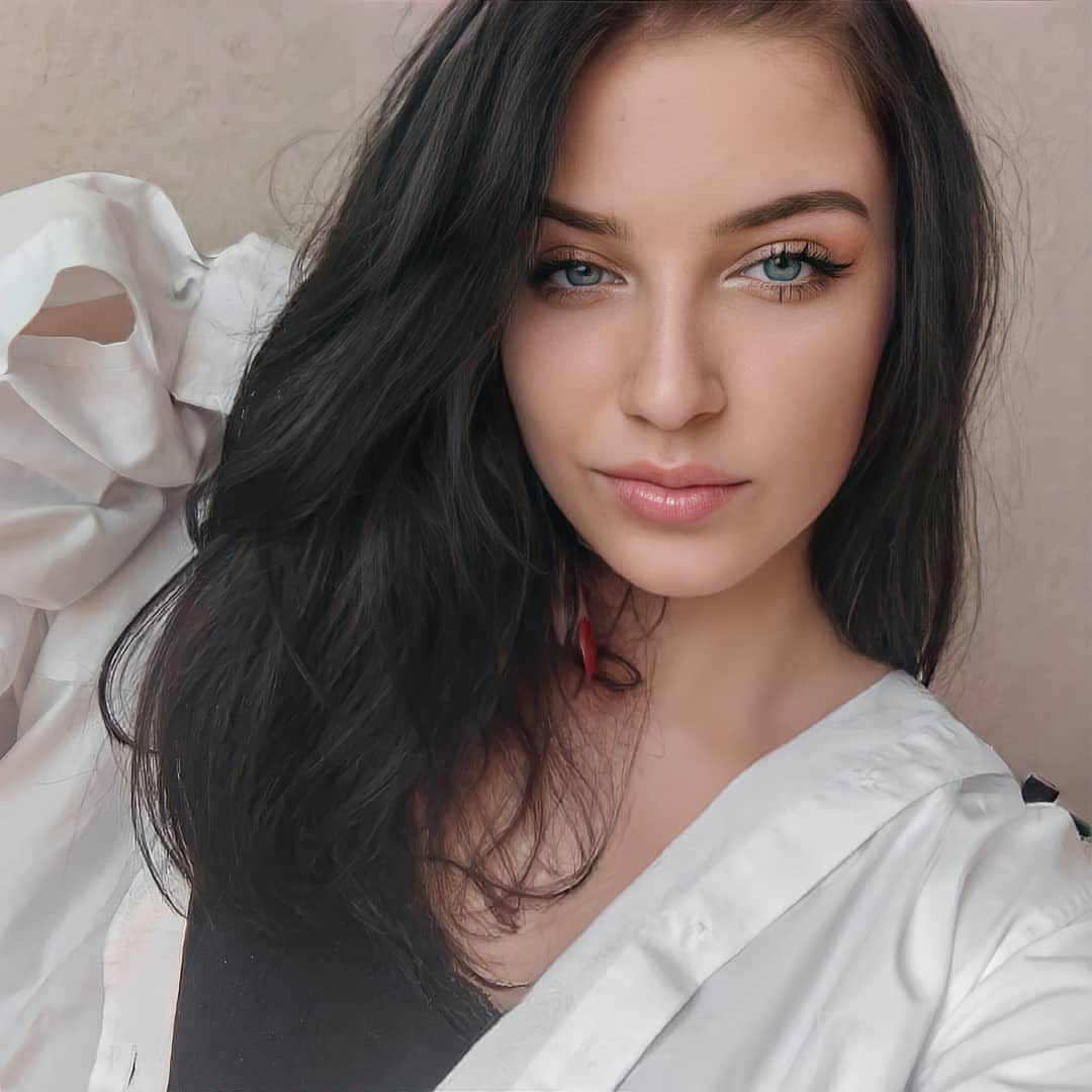 Building relationships with nice young Russian women